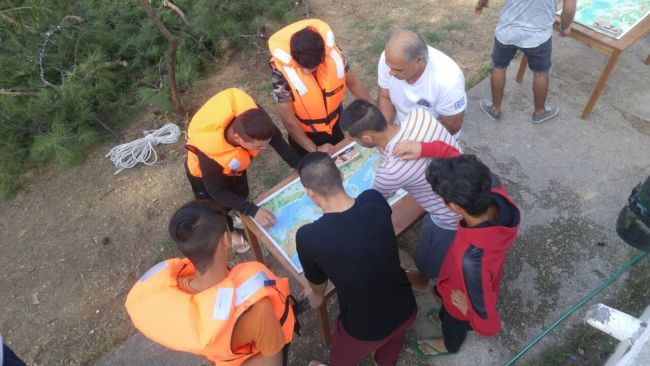 First Aid and self-protection training activities for refugees from the Hellenic Rescue Team