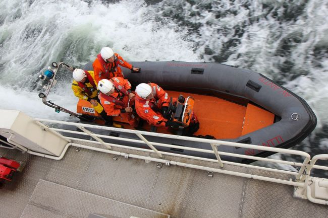 Participation of an HRT member in a crew exchange program of the International Maritime Rescue Federation