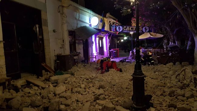 Big earthquake in Kos: Assistance from the HRT Kos volunteers