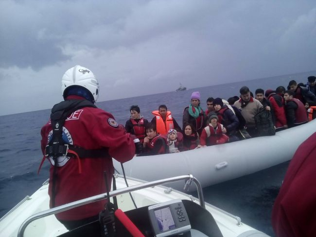 Hellenic Rescue Team receives the UNHCR NANSEN Refugee Award